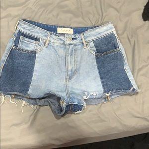 Pac Sun two toned denim shorts. size 26